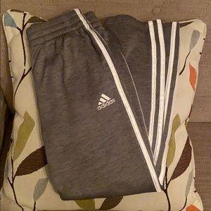 MAKE AN OFFER~Adidas Boys 10/12